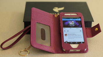 Vita Violetta iPhone Leather Wristlet